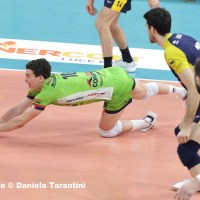 Grebennikov salva una palla (Allianz Powervolley Milano - Leo Shoes Modena pallavolo)
